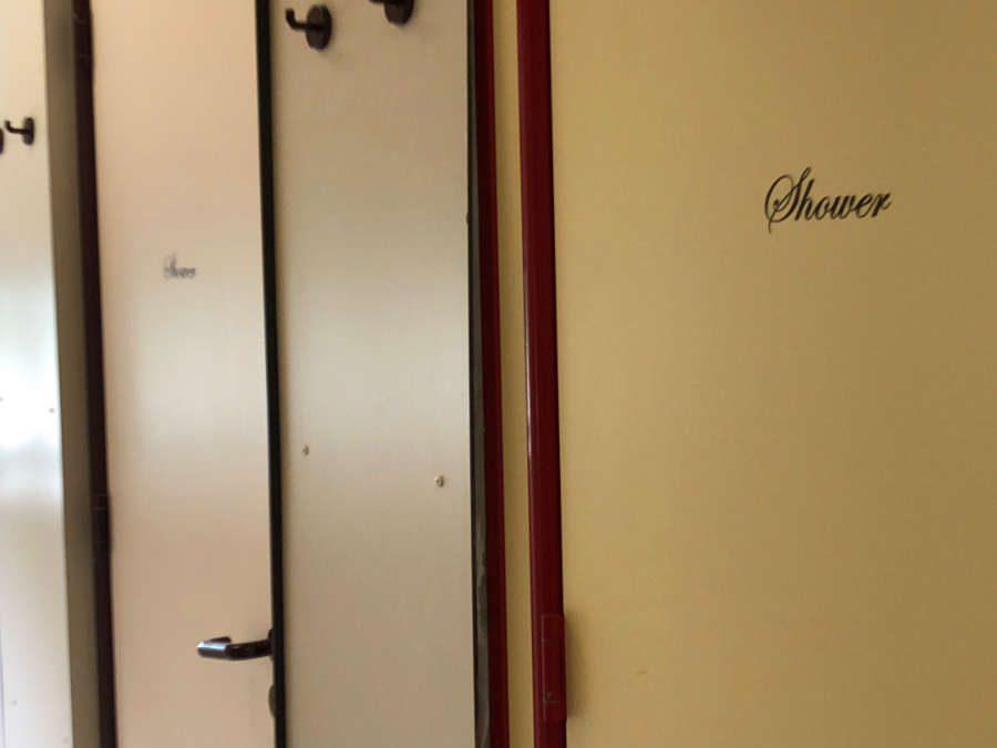 de douches vanaf 15 juni weer in gebruik
